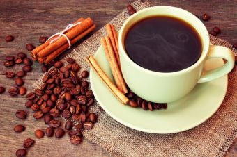 Zašto već danas treba da počnete da pijete kafu sa cimetom