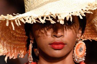 50 modnih dodataka za tople dane pred nama
