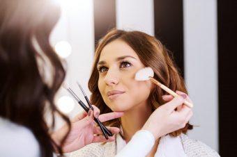 Šminkerka Jelena Mandić otkriva nam trikove kako da uz pomoć šminke izgledamo mlađe