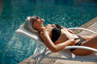 Kako sprečiti da vam kosa pozeleni na bazenu