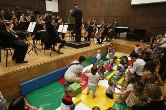 Besplatne karte za Filharmonijski koncert namenjen bebama