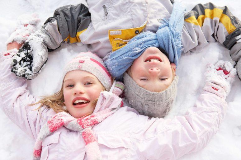 Zašto je važno da deca zimi provode vreme na otvorenom